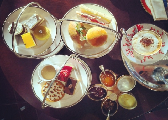 afternoon tea at the park hyatt in abu dhabi sadiyyat island