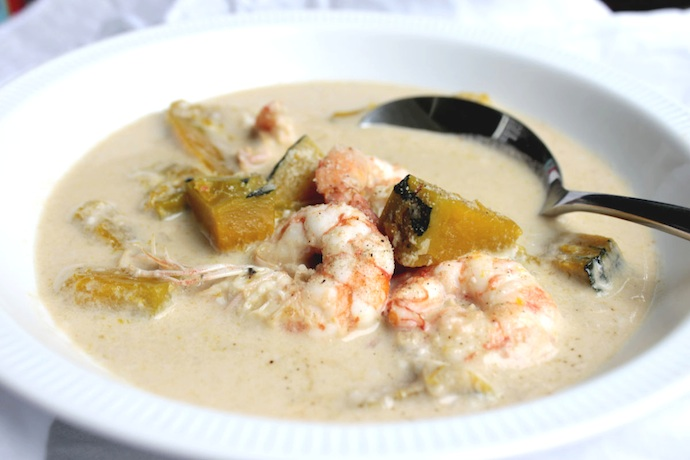 Thai pumpkin prawn coconut soup