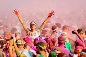 TIME TO SIGN UP FOR THE COLOR RUN 2016 ​IN ABU DHABI​