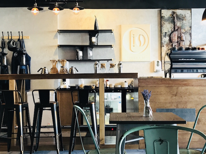 District 10 Cafe visited by Abu dhabi Confidential
