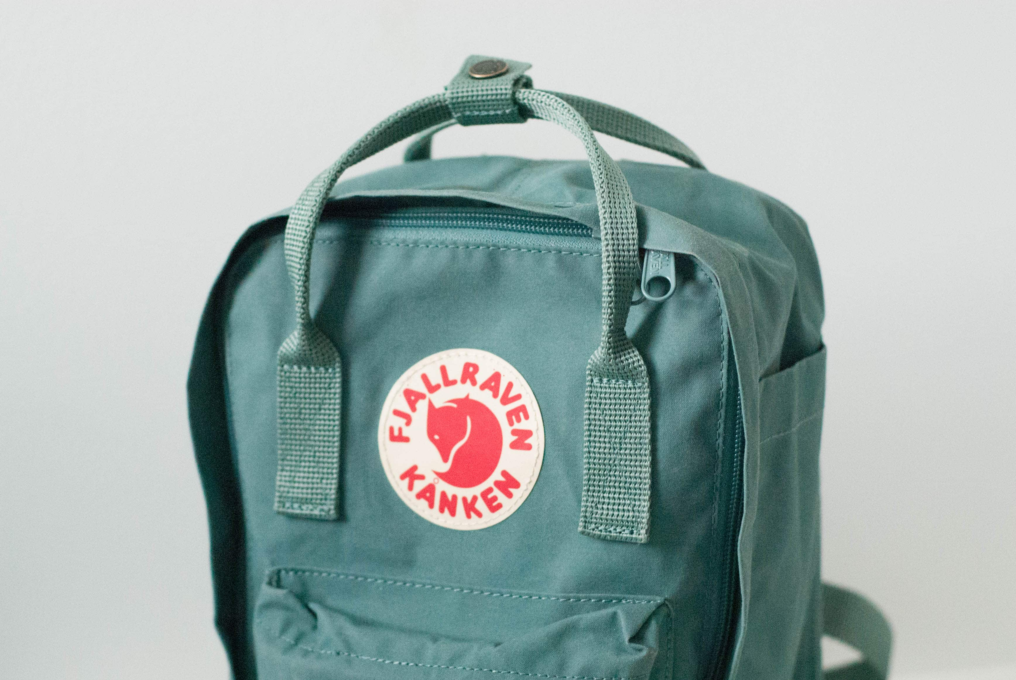 HERE IS WHY WE LOVE THE KANKEN BACKPACK BY FJALLRAVEN - Abu Dhabi